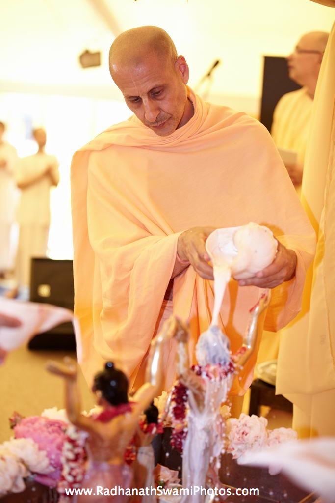 Radhanath Swami during Abhishek of Gaur Nitai