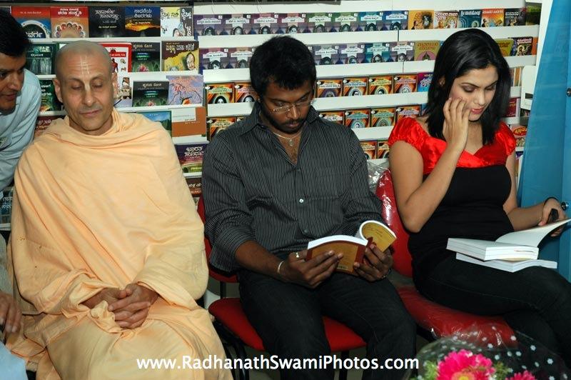 Radhanath Swami at Swapna Book House