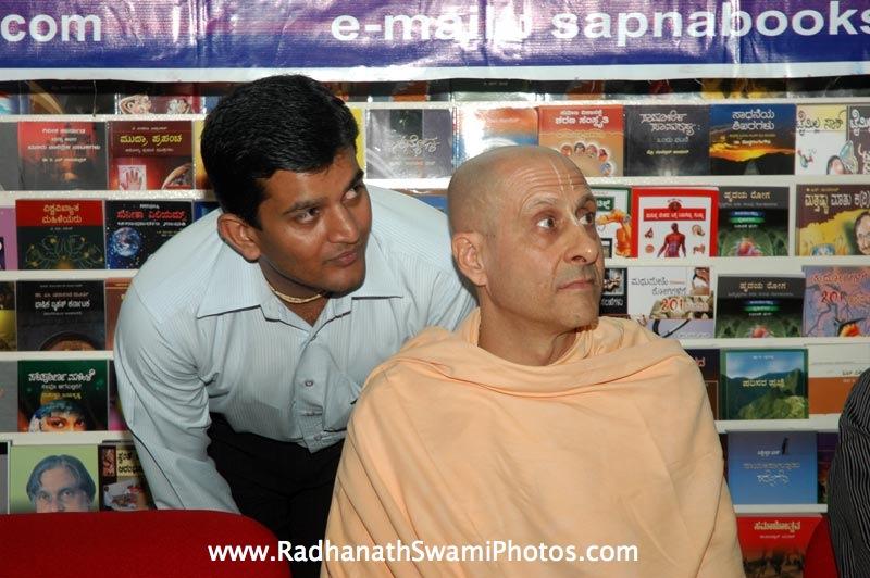 Radhanath Swami in Swapna Book Store