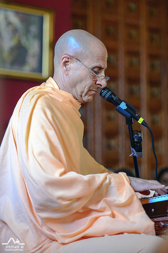 Talk by HH Radhanath Swami in Gita Nagari, USA