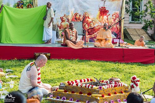 Talk by HH Radhanath Swami