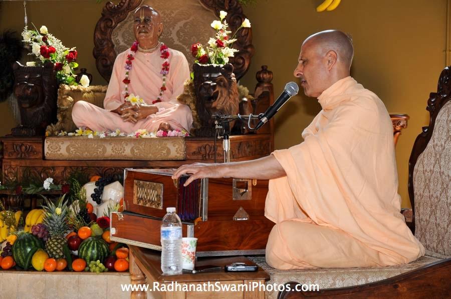 Kirtan by HH Radhanath Swami
