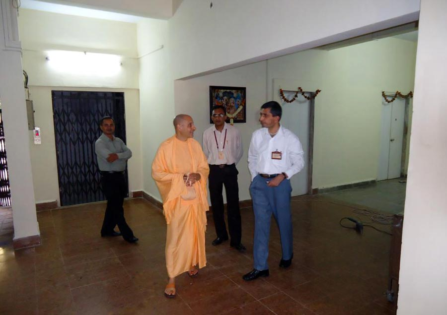 Swami Radhanath at Mira Road, Mumbai