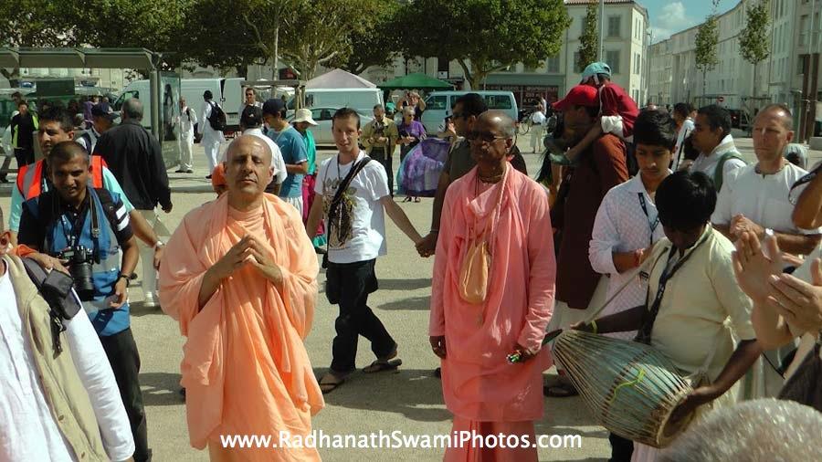 Bhakti Purusottam Swami and Radhanath Swami