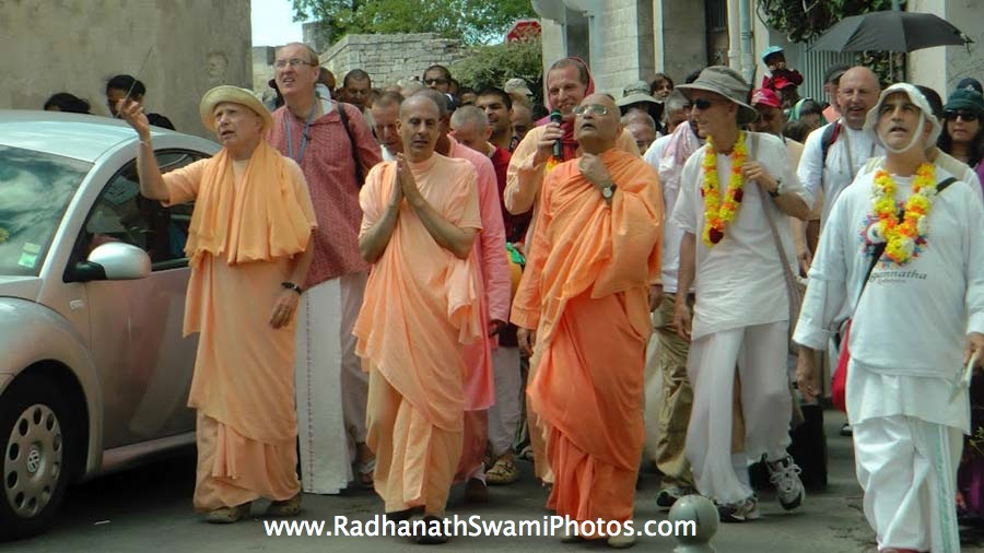 Chanting of Hare Krishna Mahamantra on the street