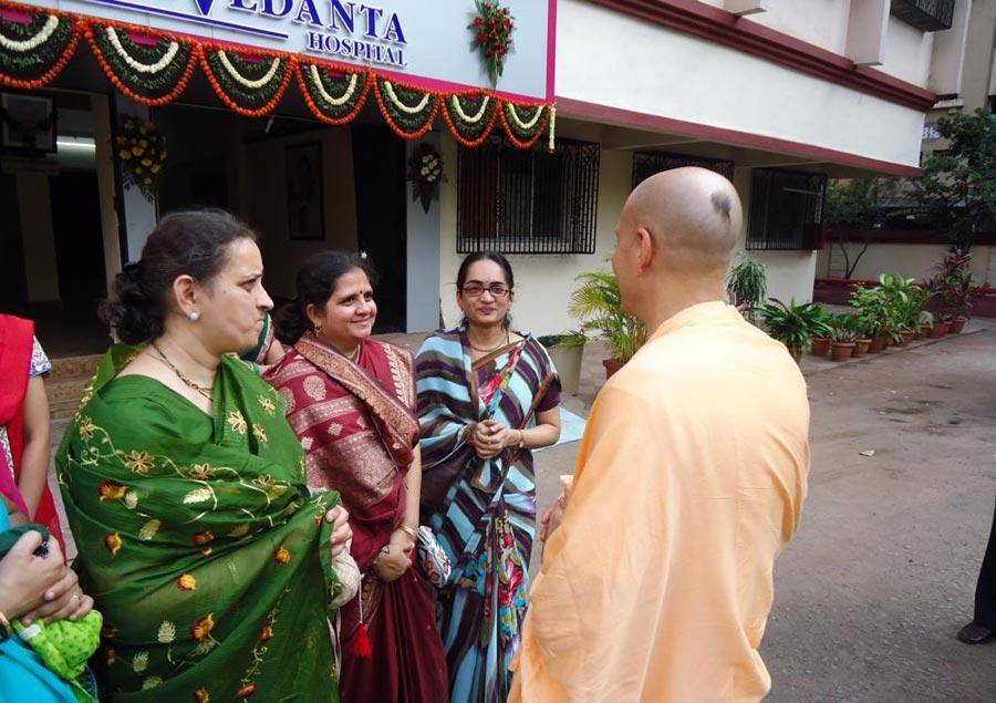 Radhanath Swami visiting PV Doshi Hospital