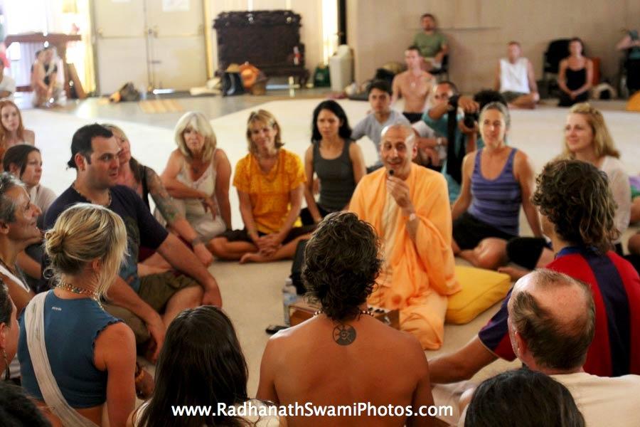 Swami Radhanath at Bhakti fest