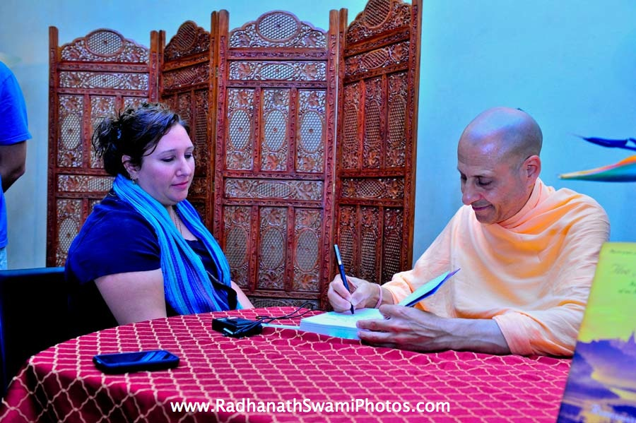 Radhanath Swami at Bodhi Tree Book Signing Event
