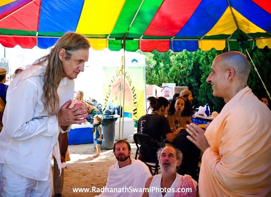 Mark Whitwell meeting Radhanath Swami