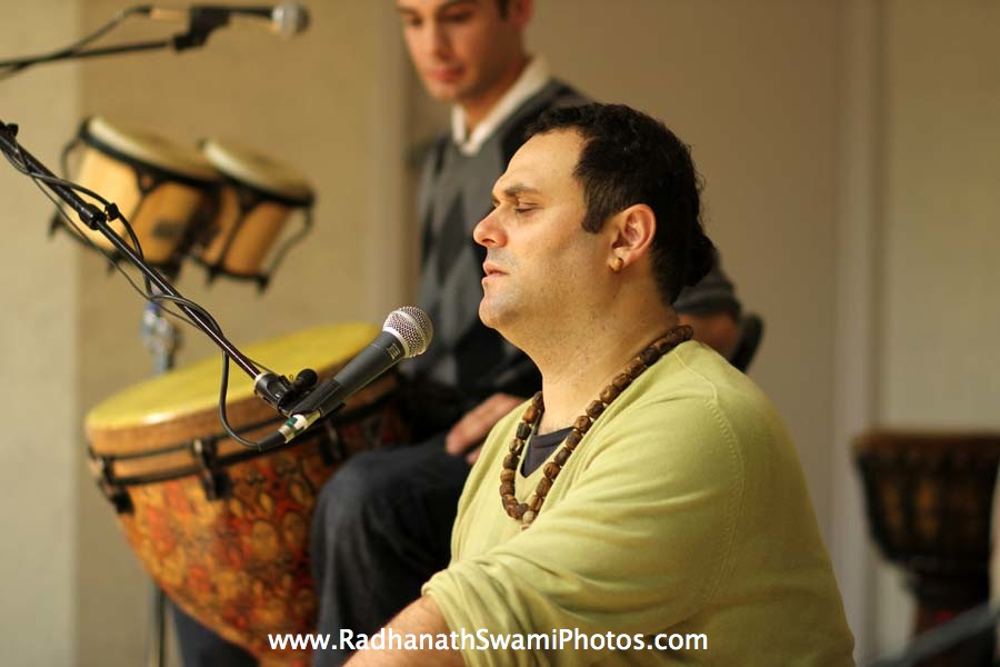 Gauravani Prabhu kirtan at Boston University