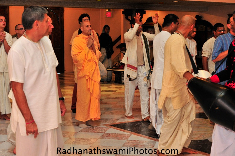 Swami Radhanath during Gurupuja at New Dwarka