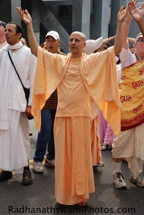 Radhanath Swami during Los Angeles Rath Yatra