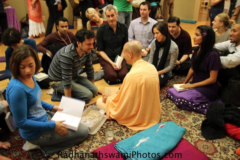 Radhanath Swamy signing his book at Jivamukti Yoga Center