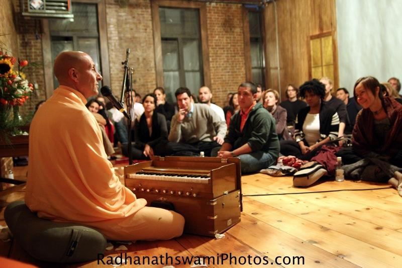 Talk by HH Radhanatha Swami at Kula yoga Center