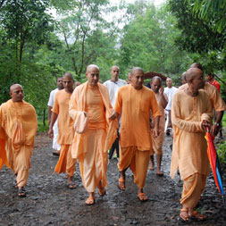 Radhanath Swami at Govardhan Ecovillage