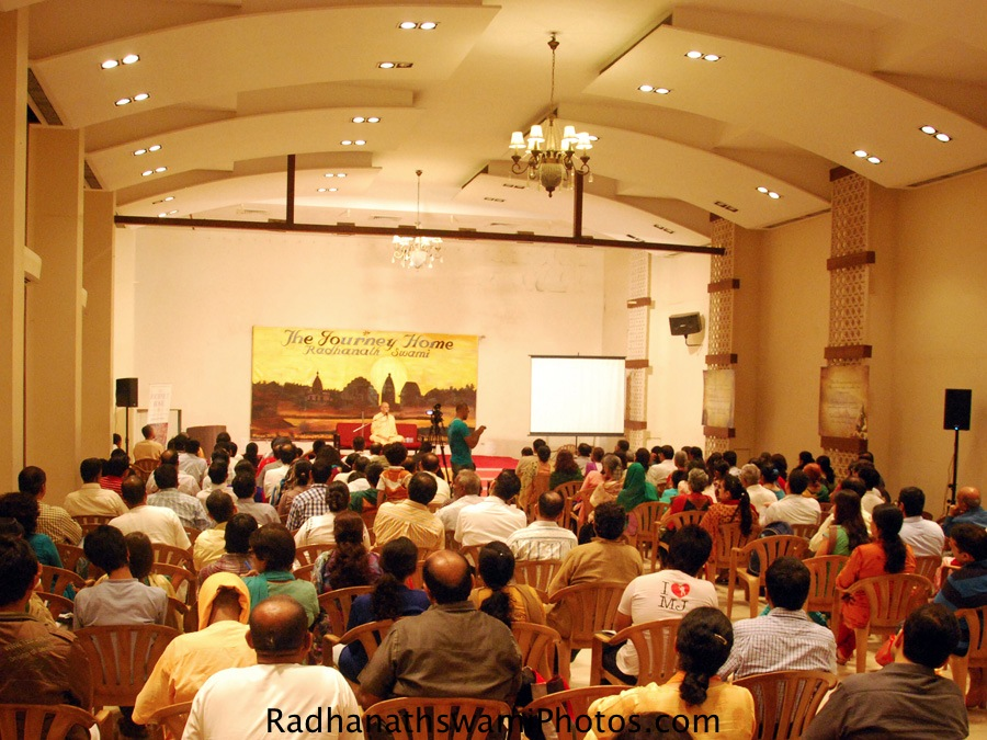 Radhanath swami at Journey Home Book Fan Club, Mumbai