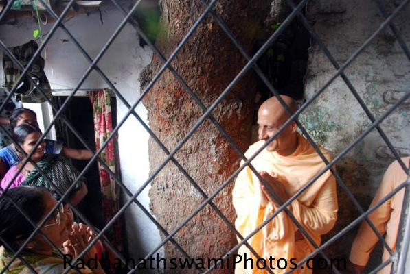 Radhanath swami at Birth place of srila prabhupada