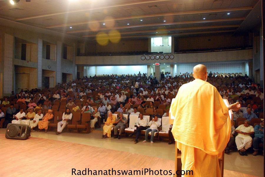 Talk by HH Radhanath Swami at KIIT University