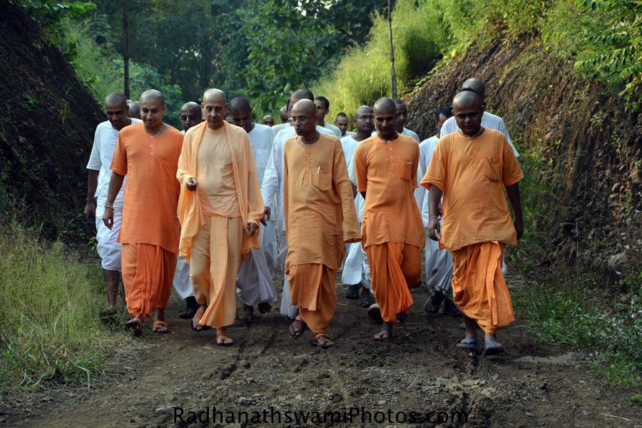 Radhanath Swami Maharaj's visit to GEV, India