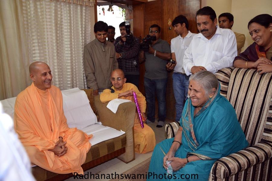 Radhanath Swami meeting Sindhutai