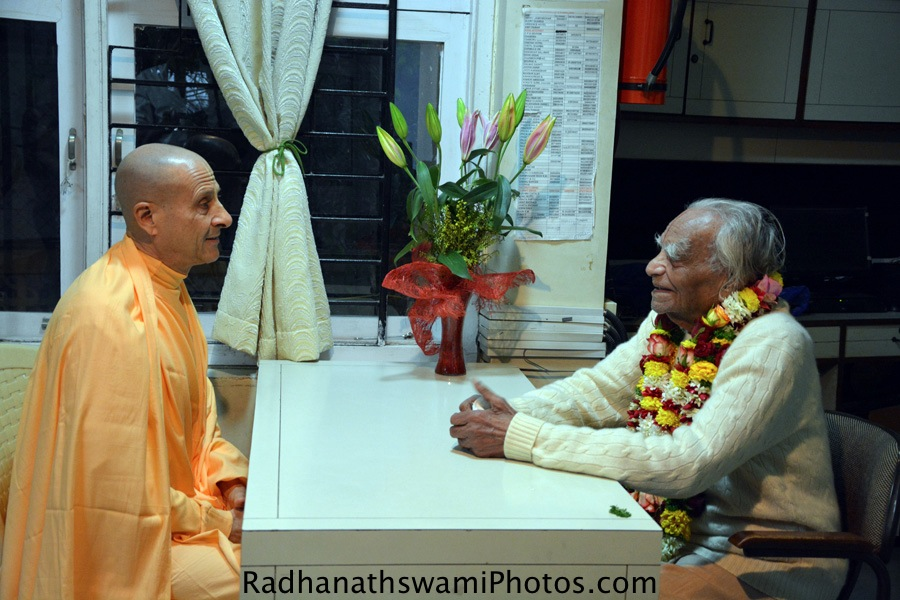 Radhanath Swami visiting BKS Iyengar's Office Pune