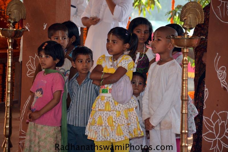 Devotee children at GEV