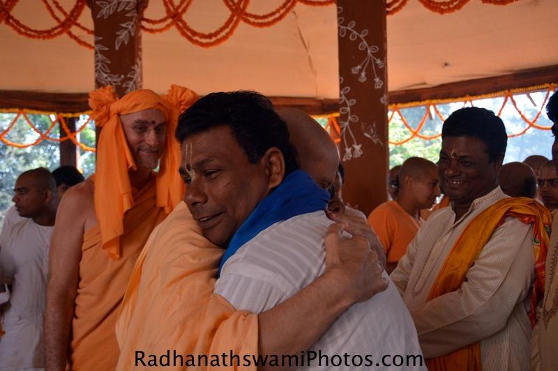 Radhanath Swami meeting Pandas of Jagannath puri