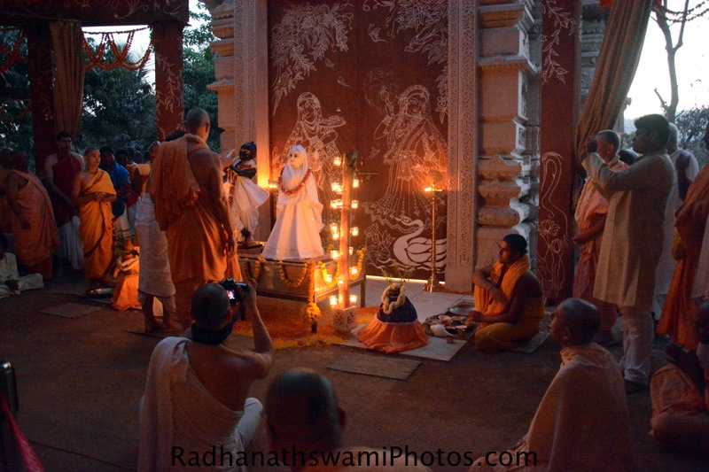 Deity installation at GEV Temple