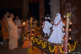 Radhanath Swami worshipping deities at GEV