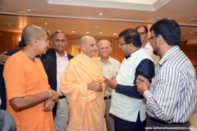 Radhanath Swami meets Corporate Leaders at Oberoi hotel
