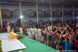 Kirtan by radhanath Swami 01