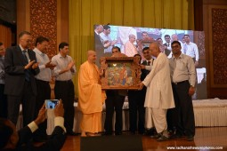 Radhanath Swami Momento to Radhakrishna das