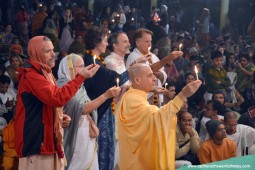 Radhanath Swami offering lamp2