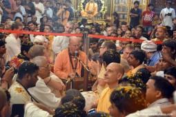 Indradyumna Swami leading kirtan during pushya Abhishek festival