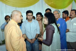 Radhanath Swami speaking to poonam mahajan