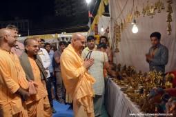Radhanath Swami visiting stalls at Pandal6