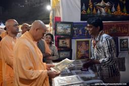 Radhanath Swami visiting stalls at Pandal7
