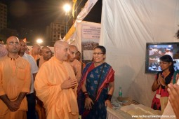 Radhanath Swami visiting the stall at pandal