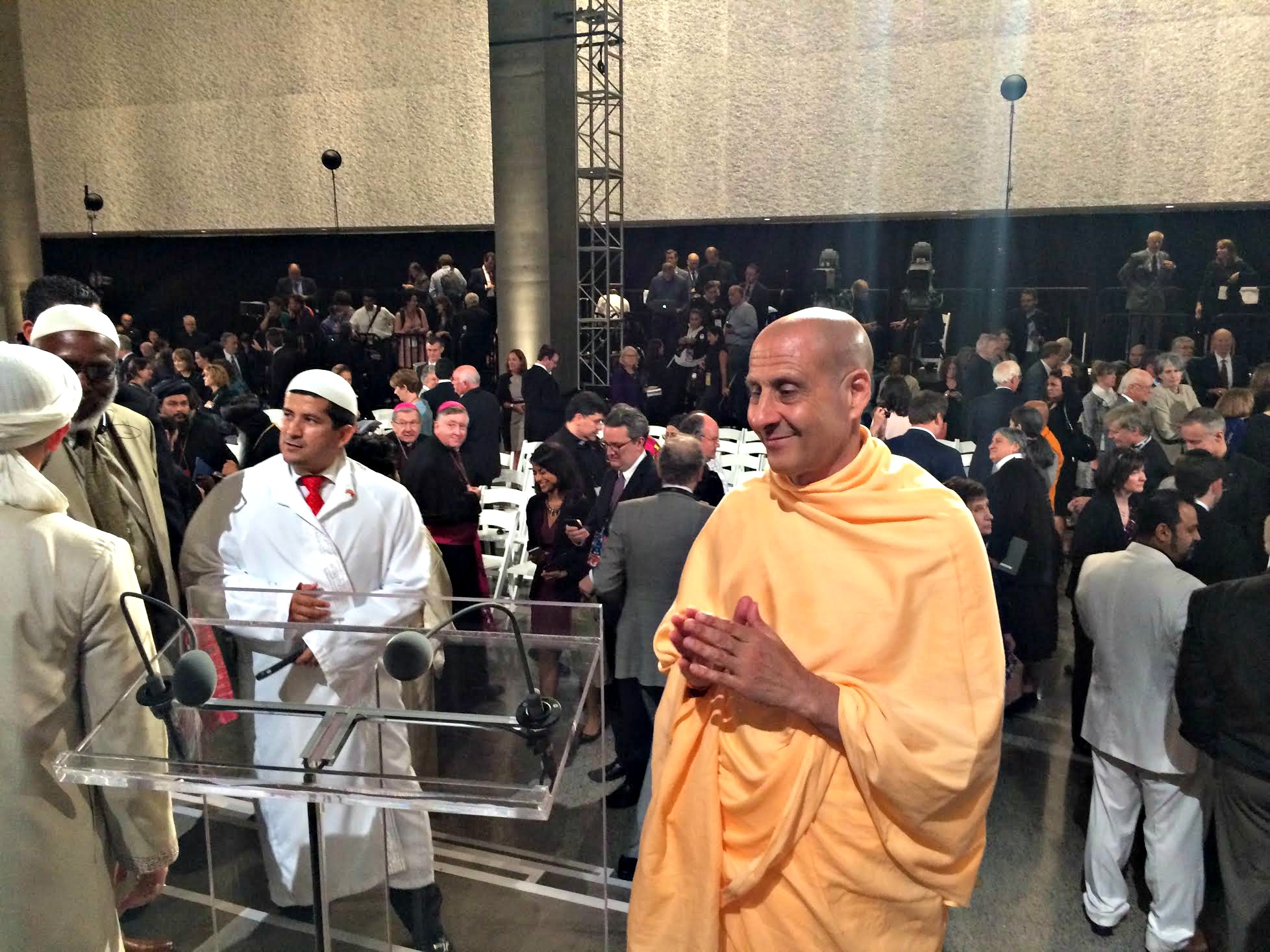 8-Radhanath-Swami-Attends-Pope-Francis-911-Memorial-Address-1